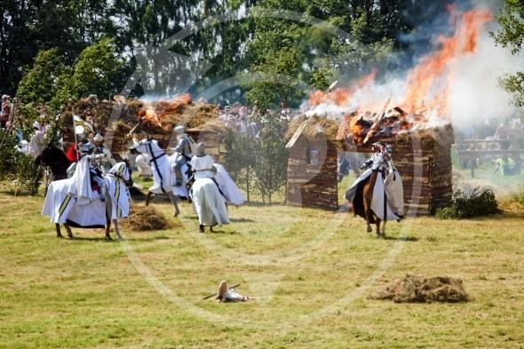 Teutonic Knights setting village on fire