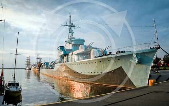 Destroyer Ship – ORP Lightning, II World War