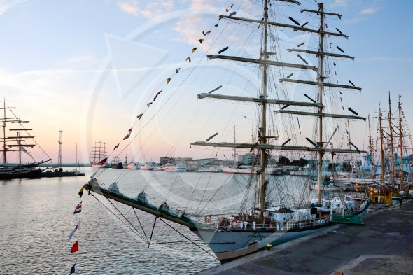 Sailing ship Fryderyk Chopin