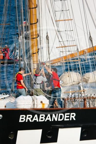 Vessel Brabander setting sails