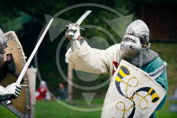 Sword fighting – Medieval Knights Duel