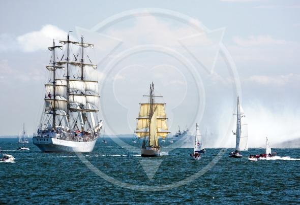 Full rigged ship 'Dar mlodziezy' – Tall Ship Races
