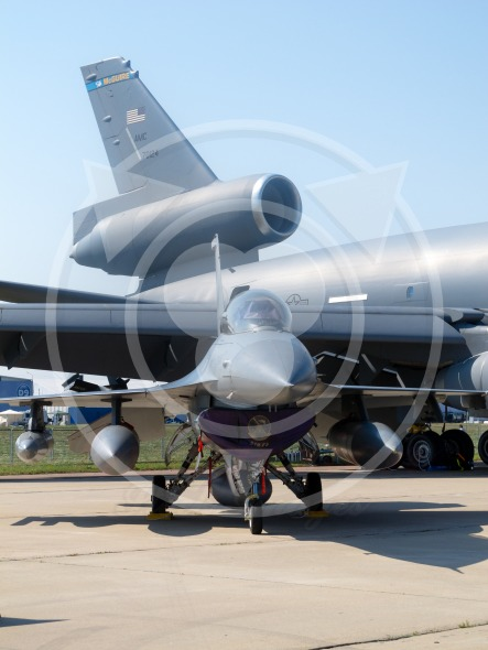 F-16 fighter compared to USAF McGuire kc-10a