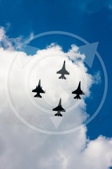 F-16 Fighting Falcon fighters in flight