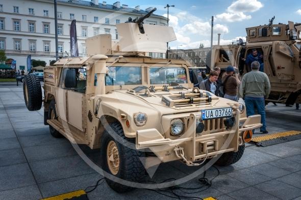 Humvee HMMWV m1165 general purpose vehicle