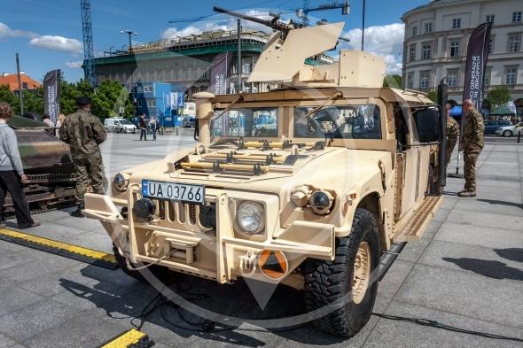 Humvee HMMWV m1165 expanded capacity general purpose vehicle
